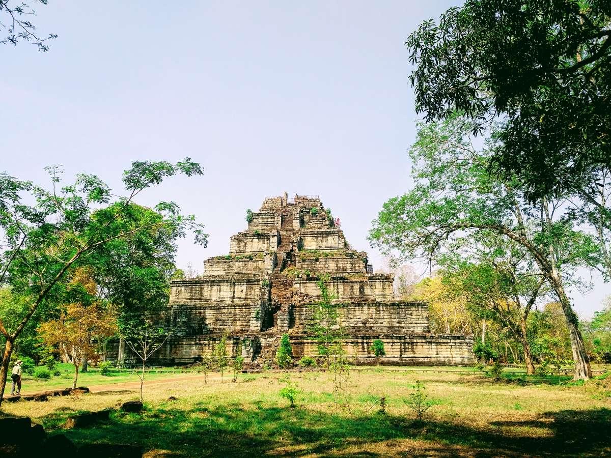 Best Best Ancient Temples for Birding In Cambodia : Koh Ker