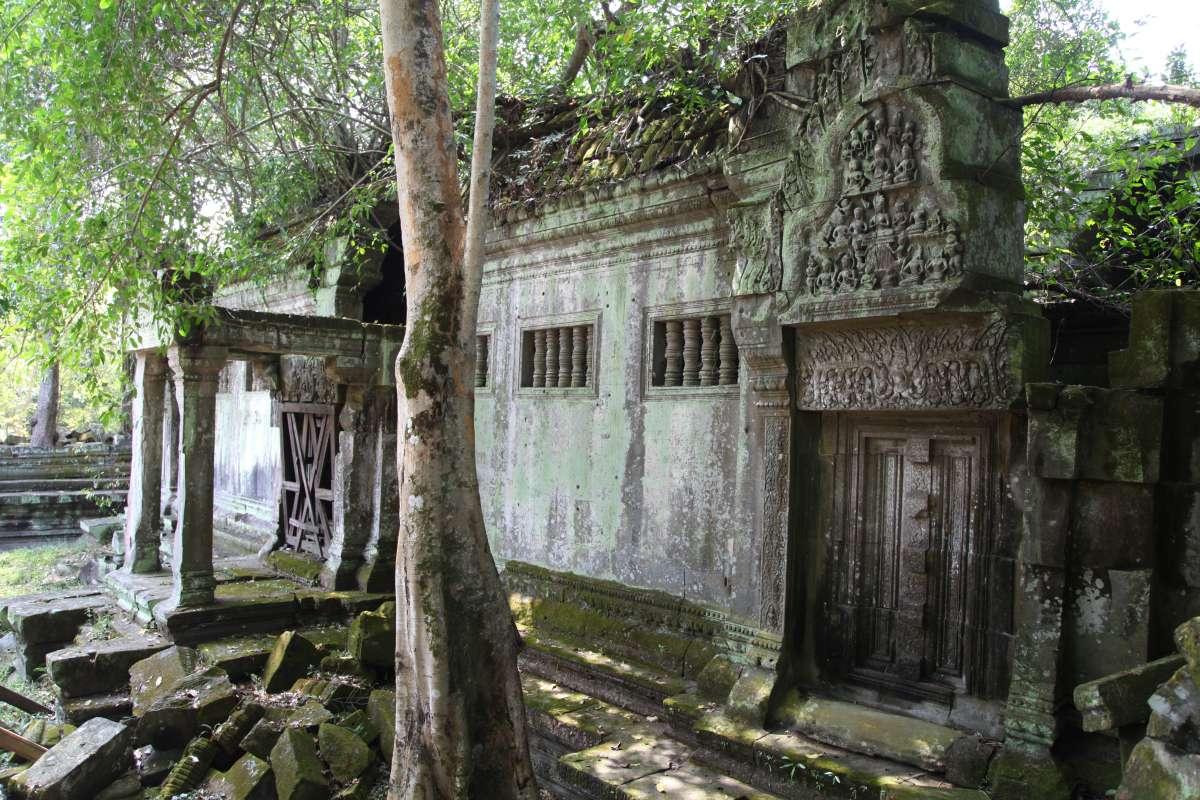 Best Best Ancient Temples for Birding In Cambodia : Prey Veng Village